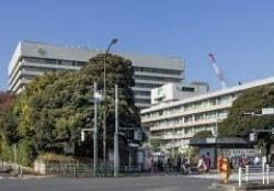 應義塾大学病院(新宿区)の外観